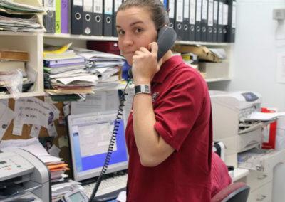 04-phones-ringing